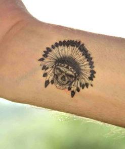 tatuagem temporária caveira indígena