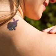 tatuagem-temporaria-alice-rabbit