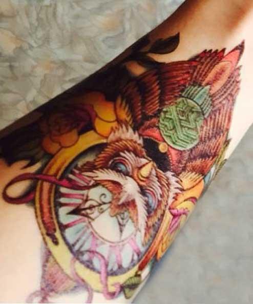 tatuagem temporária coruja