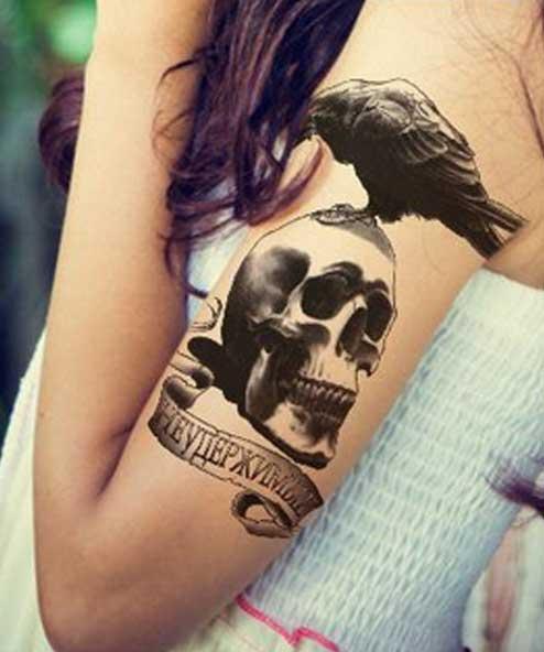 tatuagem temporária corvo
