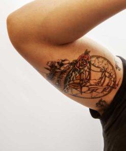 tatuagem temporária caravela