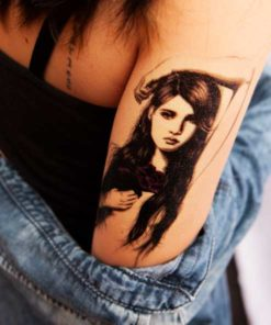 tatuagem temporaria mulher