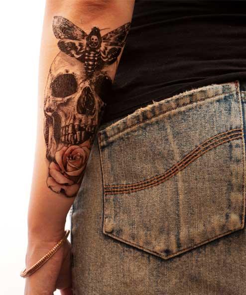 tatuagem temporária caveira